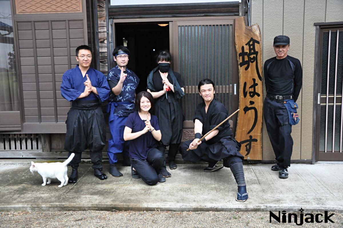 「塙HOUSE忍者合宿」で床下侵入・瓦屋根登る忍者修行をしてきた!